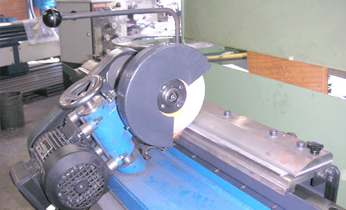Blade sharpener machine